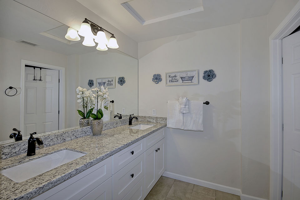 ZZ-Master-Bathroom-16--copy